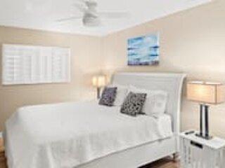 World Class Resort, Famous Beaches, Captiva Island, Remodeled Unit Large Lanai
