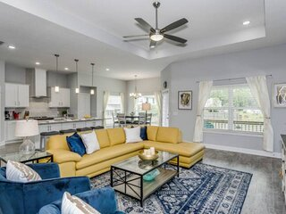 New Listing - Beautiful Brand New Home In Gulf Breeze - Minutes To The Beach - 4