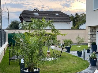 Independent house with garden - Airport CDG and Exposition center of Paris
