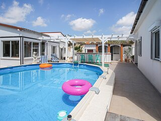 Awesome home in Busot with Outdoor swimming pool, WiFi and 3 Bedrooms (EBI483)