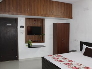 GF - Deluxe - Room with Private Entrance & Kitchen