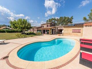 94918 3-bedroom villa, airco, garden 7000m2, ideal for children, pool 8 x 4 mtr.
