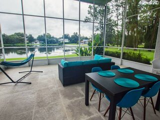 Edgewater Escape ~ Saddlebrook ~ Waterfront private patio, Xbox, WiFi & easy acc