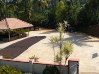 TripThrill Serene Home Twin Room, holiday rental in Tholpetty
