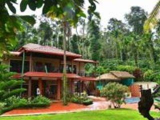 TripThrill Sky Larc, holiday rental in Madikeri