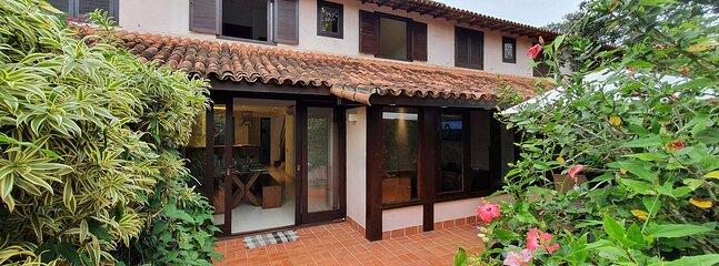 Casa vierabuzios, 4 quartos em condomínio, 50m da praia