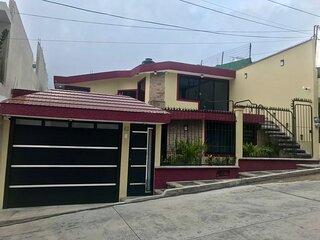 Hermosa casa en la capital de Veracruz cerca de todo para vacacionar