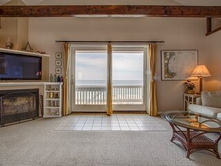 Oceanfront Penthouse w/Friends & Family