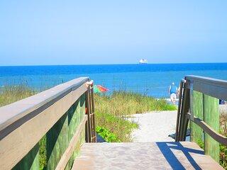 COCOA BEACH CONDO BEACHFRONT COMPLEX HEATED POOL GREAT LOCATION WALK EVERYWHERE!