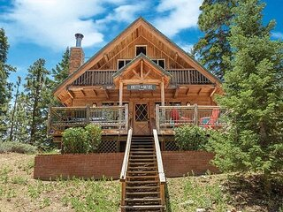 STEPS to SLOPES & CLOSE to LAKE! ADORABLE NEW log cabin.