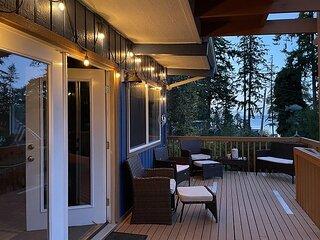 299- Mid Century Coupeville Bungalow - Sleeps 6/Backyard Cabin/Hot Tub