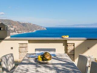 Villa Urbis Taormina, luxury villa in the heart of Taormina with swimming pool