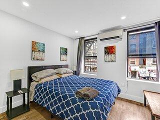 Cozy Nolita / Lil'  Italy 2 Bedroom Apartment