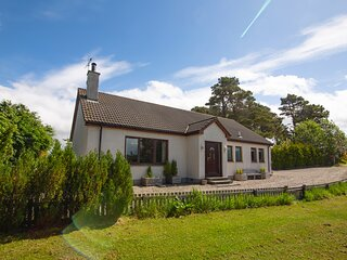 Calm Scottish Country Escape with Hot Tub Sleeps 6