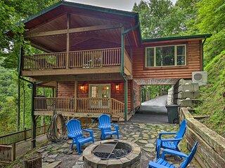 Four Season Family Cabin w/ Hot Tub, Deck & Views!