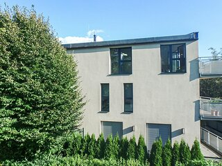Stunning apartment in Innsbruck with WiFi and 1 Bedrooms (ATI246)