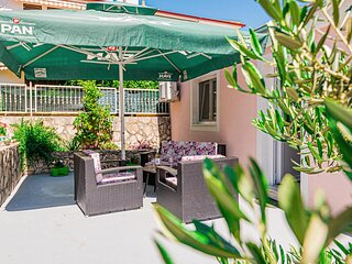 Amazing apartment in Brodarica with WiFi and 1 Bedrooms (CDJ797)