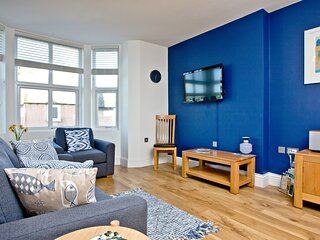 9 At The Beach - Modern design and all the home comforts you could ask for in be