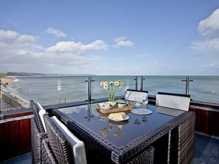 6 At The Beach - A lovely pet-friendly apartment in the village of Torcross with