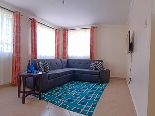 Luxe one bedroom bungalow unit/ Millimani drive furnished living
