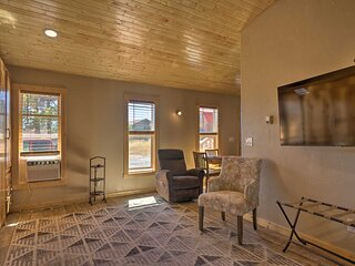 NEW! Mountain Cabin, Walk to Dining/Memorial Park!