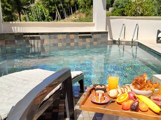 Villa avec Piscine et Jardin Privé au calme . Plage et Centre-ville à 800 m