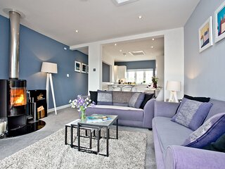 Blue Bay - A modern two bed apartment with views over Mounts Bay and St Michael'