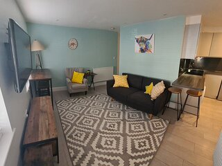 Avondale Cosy Modern Apartment in Wimbledon