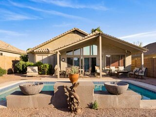 NEW! Mountain VIEW ~ FREE HEATED pool ~ FIRE PIT ~ HIKING/GOLF/ZIPLINE nearby ~