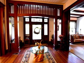 Historic Holle House, a luxury vacation rental
