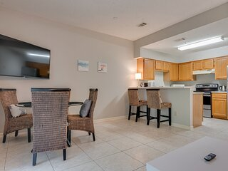 Cozy 1BR Condo with Pool and Gym Centrally Located