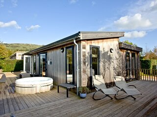 Diamond Lodge, Strawberryfield Park - A large family friendly lodge with private