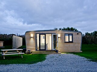 Wheal Prosper, Wheal Dream - A two bedroom luxury lodge with a wood fired hot tu