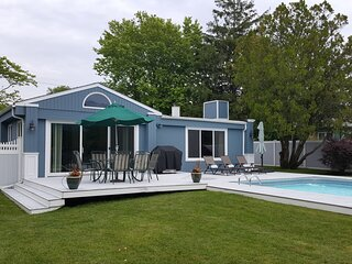 3BR/2BA- Private Heated Pool Steps to Moriches Bay