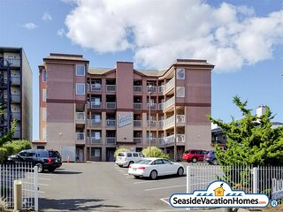 F5 - REFRESH at Seaside Beach - Ocean Front Condo on the Prom