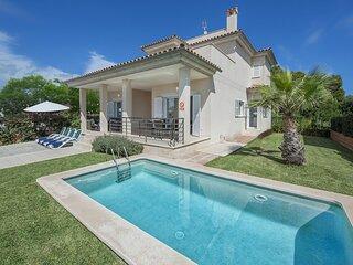 Villa Marisa II - Spectacular villa with pool and garden in Alcúdia