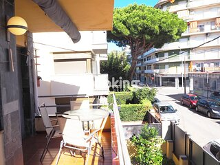 APARTMENT WITH A/C IN THE CENTER OF PLATJA D'ARO, AT 5 MINUTES FROM THE BEACH