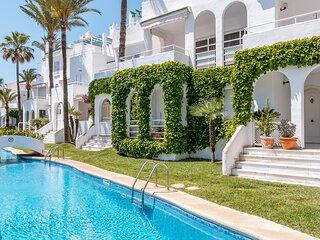 Maravilloso apartamento de cuatro dormitorios frente al mar ubicado a solo 200 m
