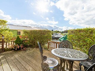 Quayside Cottage | Riverside Property On The Norfolk Broads With Mooring