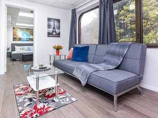 Newly-Renovated - Modern 1BR Apartment, Near Downtown Ottawa!