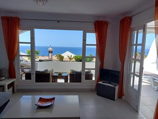 Panoramic Sea Views, 1 Bedroom Apartment ,Near The Harbour