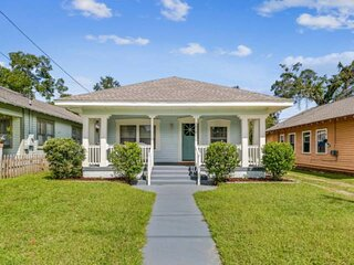 Pet Friendly Classic Home Near Downtown - Internet/WiFi - Central Heat and Air -