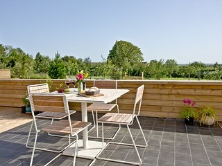 Cheddar Pink, Strawberryfield Park - Hot tub luxury in the heart of the Somerset