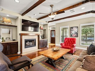 Spacious Single Family Home in Brentwood with Hot Tub in Beautiful Backyard