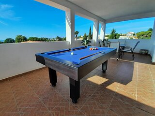 Just 500 m to the Sandy Beach! Top Location. Pool & Sea View (up to 10 people).