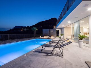 Nice home in Klis with Outdoor swimming pool, WiFi and 3 Bedrooms (CDC801)