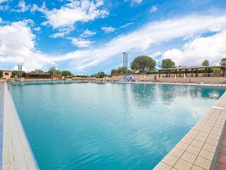 Amazing home in Ragusa with Outdoor swimming pool, WiFi and 3 Bedrooms (ISR428)