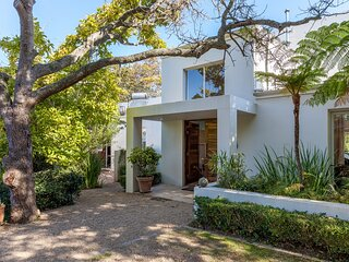Beautiful home bordering the famous Groot Constantia winelands