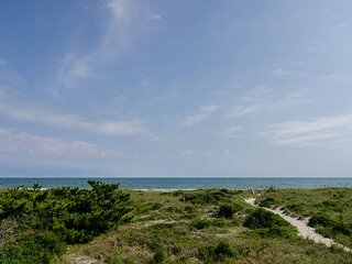 The perfect oceanfront getaway with panoramic ocean to sound views