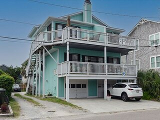 Charming condo in central Wrightsville with water views of Banks Channel
